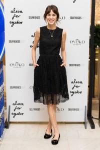 alexa-chung-eyeko-black-dress-h724